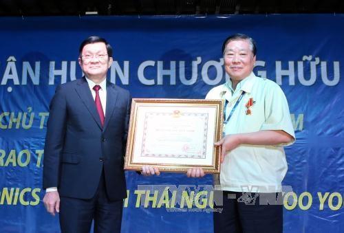 Chủ tịch nước Trương Tấn Sang trong chuyến thăm và làm việc tại Thái Nguyên (Ảnh TTXVN)