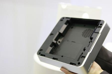 vàlắp ổ cứng với dung lượngtheo ý muốn của người dùng.