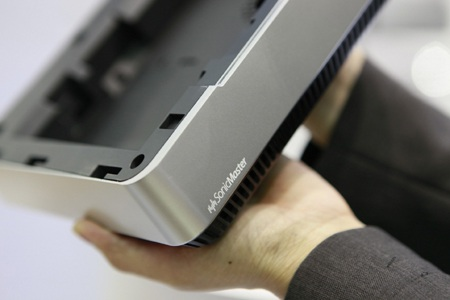 Thiết bị được tích hợp công nghệ âm thanh SonicMaster.