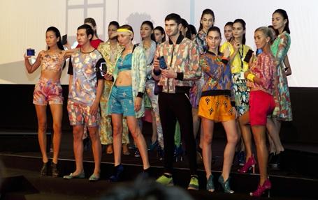 Những người mẫu tham gia giới thiệu sản phẩm