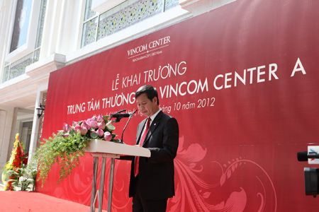 Ông Lê Khắc Hiệp - Phó Chủ tịch Tập đoàn phát biểu tại lễ khai trương