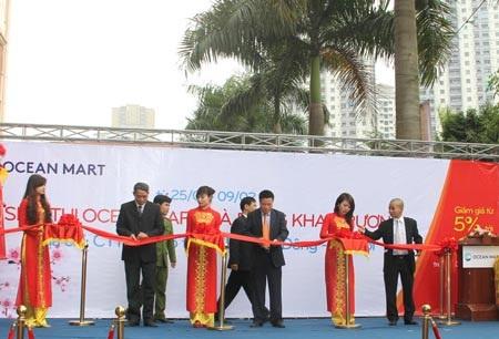 Lễ cắt băng khai trương OceanMart Hà Đông
