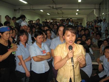 Công nhân Cty may An Phước (TPHCM) ngừng việc vì bị giảm tiền