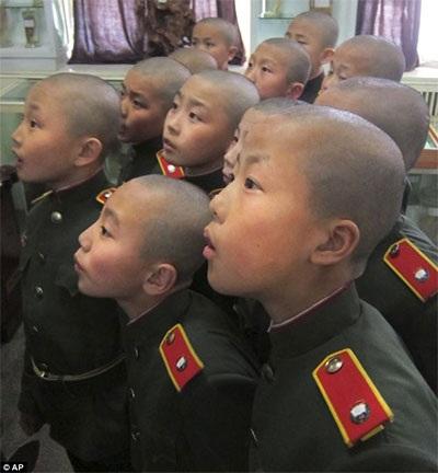 Các chiến binh nhí của Triều Tiên. Ảnh: AP