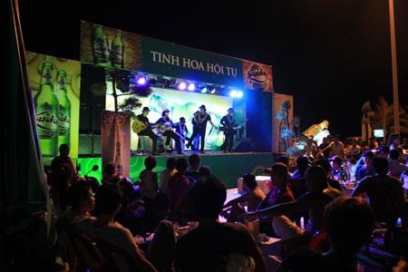 Show diễn Tinh hoa hội tụ của Huda Gold