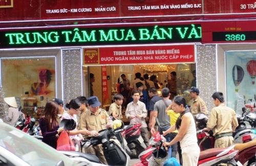 """Người Việt thường mua vàng theo tâm lý"""""""
