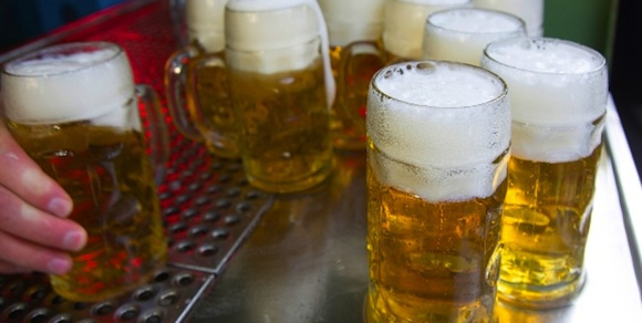 Tử vong sau khi uống 6 lít bia trong vòng 20 phút