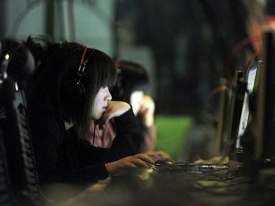 Chính quyền Trung Quốc đang nỗ lực truy quét tin đồn online. Ảnh: FP.