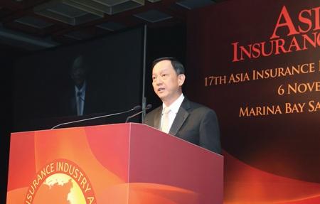 Ông Takashi Fujii phát biểu sau khi nhận giải thưởng
