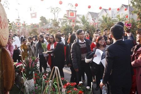 Tết Việt hứng khởi tại Hội chợ Xuân Vinhomes 2014