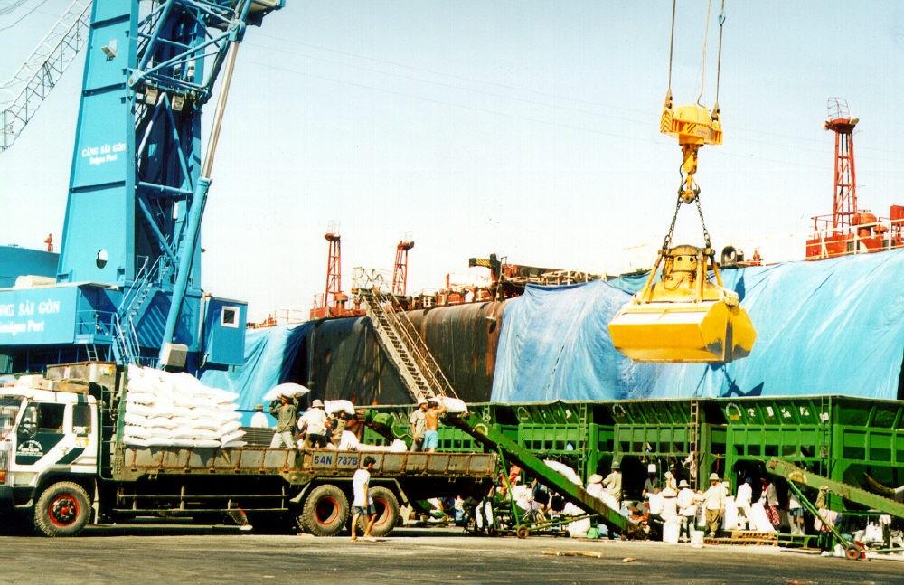 Dịch vụ tài trợ thương mại góp phần quan trọng vào thành công của các DN XNK