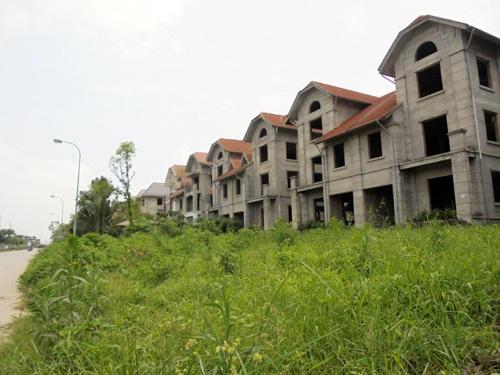 Các dự án đã bàn giao nhà nhưng thiếu hạ tầng khiến người dân không thể về ở. (ảnh: Tuấn Linh)