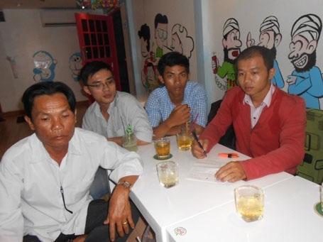 Phụ huynh Bùi Văn Hùm và một số học viên lên TP.Hồ Chí Minh đòi VJI trả lại tiền.