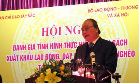 Phó Thủ tướng Chính phủ Nguyễn Xuân Phúc phát biểu tại Hội nghị