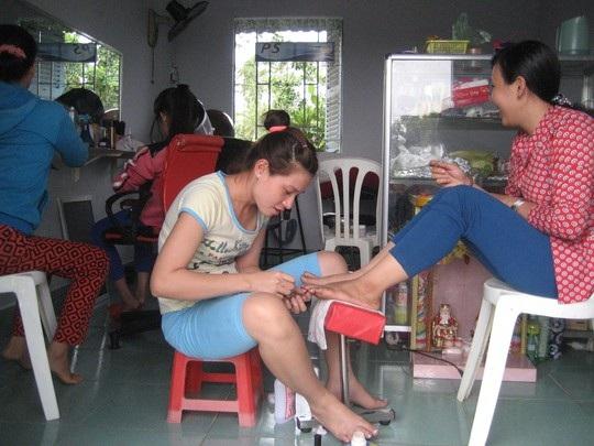 Nhu cầu làm đẹp của chị em phụ nữ tăng cao trong dịp tết