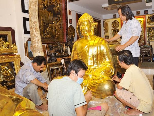 Những nghệ nhân đất Sài Gòn vẫn gắn bó với nghề dát vàng