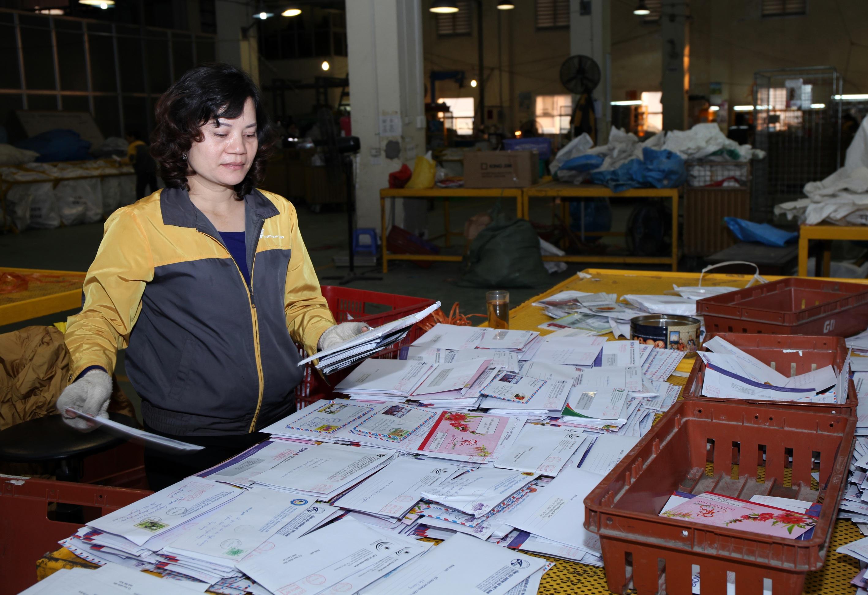 Việc nhận chuyển thư góp ý của người dân từ nay tới hết tháng 4