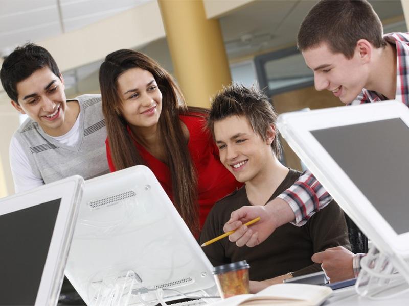 Kinh nghiệm quản lý nhân viên trẻ