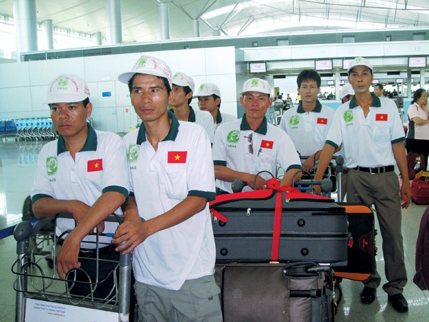 Lao động Việt Nam chờ xuất cảnh (ảnh minh họa)