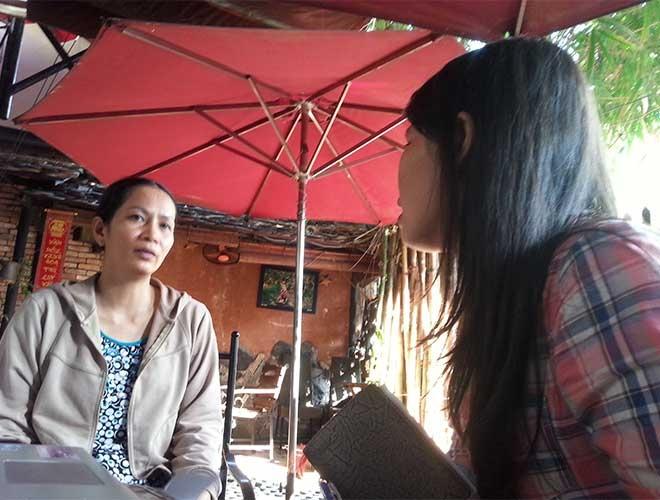 Người nhà (trái ảnh) của một nữ giúp việc gia đình đang kêu cứu với báo Lao Động. Ảnh: L.TUYẾT
