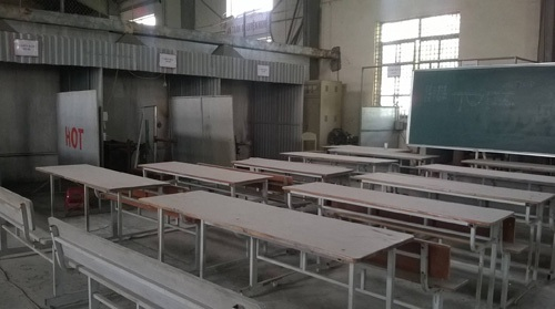 Nhiều lớp học tại Trường Cao đẳng nghề Duyên Hải bỏ trống, không có học viên.