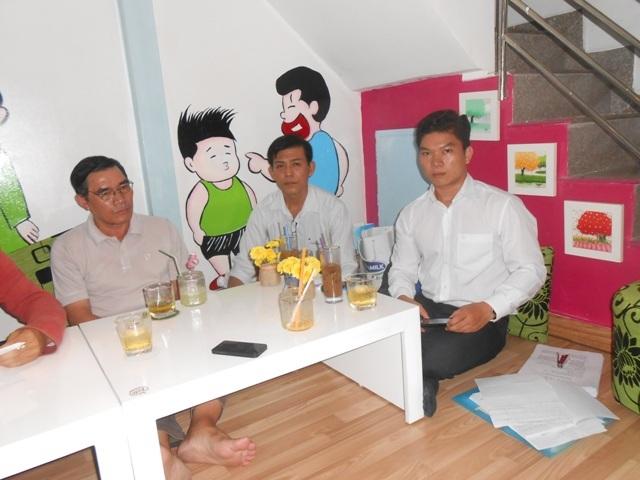 Cuối tháng 11.2014, nhiều học viên đổ về chi nhánh Cty Trí Việt tại TP HCM để đòi lại tiền
