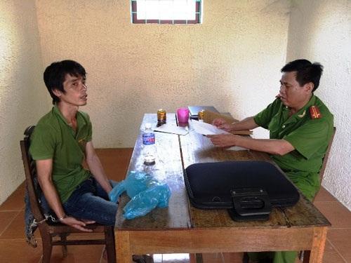 Hồ Phi Nam tại cơ quan điều tra. Ảnh: HOÀNG PHÚC