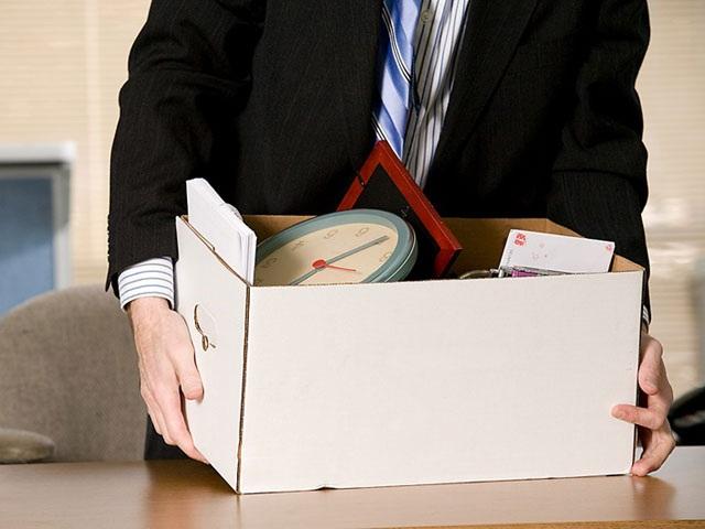 7. Nhân viên có được hướng dẫn để tự cải thiện bản thân không?