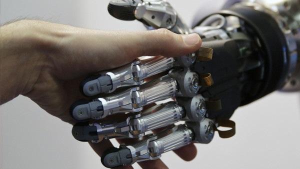 Các doanh nghiệp cần đầu tư vào công nghệ và quy trình sản suất để nâng cao năng suất lao động