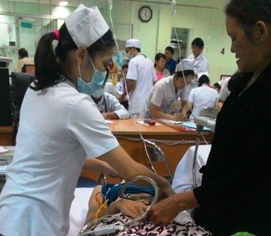 Cô Hồ Thị Bích Quyên đã qua cơn nguy kịch và đang được điều trị tại bệnh viện 115 (TPHCM)