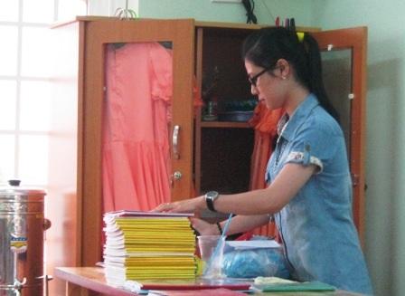 Áp lực sổ sách của giáo viên đang lấy mất rất nhiều thời gian, sự quan tâm mà học trò được hưởng