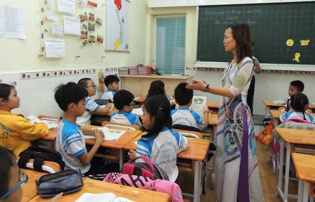 Rất nhiều gò bó trói sự tự do, sáng tạo với giáo viên Việt Nam (Ảnh minh họa)