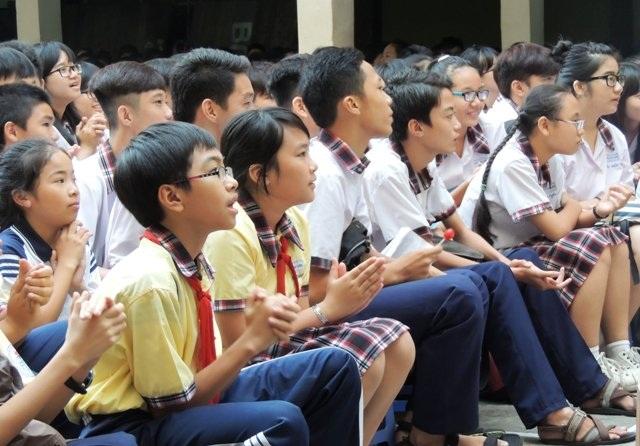 Tại Trường THCS Châu Văn Liêm, TPHCM học trò nói bậy, chửi thề sẽ được... súc miệng