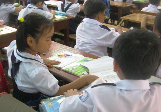 Nhiều học trò tiểu học gặp khó khăn trong việc đọc hiểu (Ảnh chỉ mang tính minh hoạ)