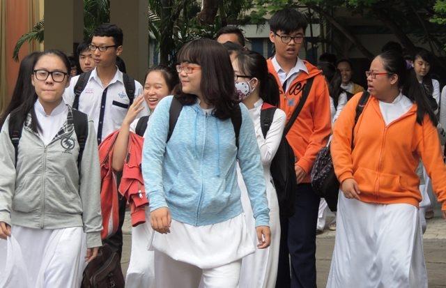 Học sinh TPHCM kết thúc kỳ thi thử THPT quốc gia