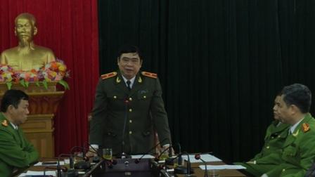 Thiếu tướng Đỗ Hữu Ca trực tiếp tặng thưởng ban chuyên án