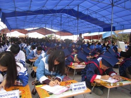 300 học sinh giỏi của Hải Phòng đồng loạt khai bút