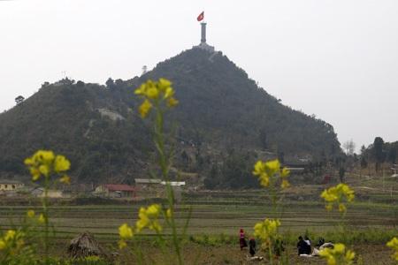 Cột cờ Lũng Cú huyện Đồng Văn - Hà Giang nơi cực Bắc của tổ quốc.