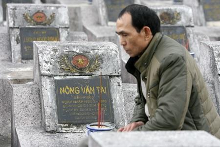 Liệt sỹ Nông Văn Tài và anh Cường thuộc C9 D9 E14 F313 đóng tại mặt trận huyện Vị Xuyên (Hà Giang).