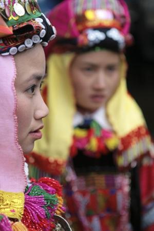 Cô gái Lô Lô ở Lũng Cú, Hà Giang.