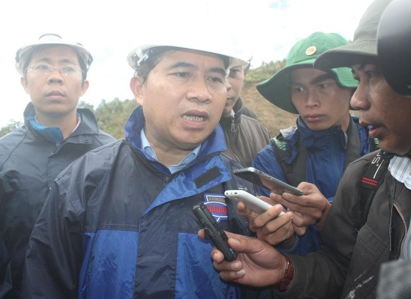 Thứ trưởng Bộ Xây dựng Lê Quang Hùng có mặt chỉ đạo công tác cứu hộ tại hiện trường