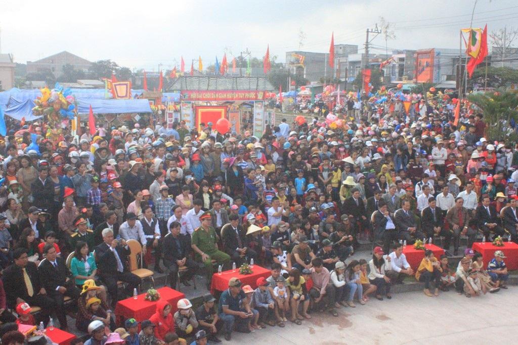 Hàng vạn người dân về dự lễ hội Chợ Go chỉ duy nhất họp ngày 1 và 2 Tết cổ truyền