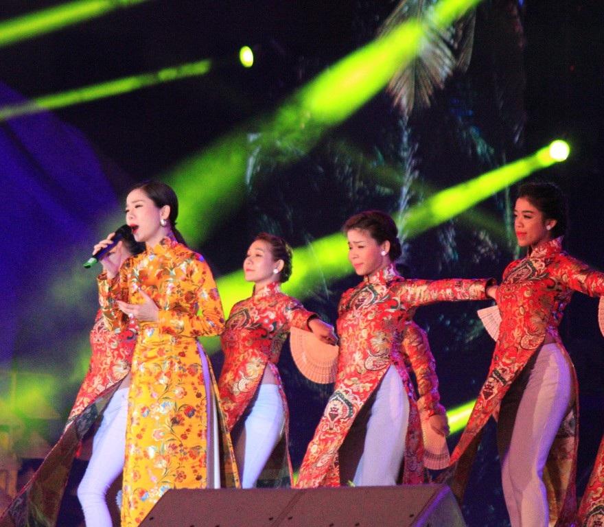 Lê Quyên, người con gái gốc Bắc nhưng thể hiện ca khúc Thương về miền Trung đầy ấn tượng