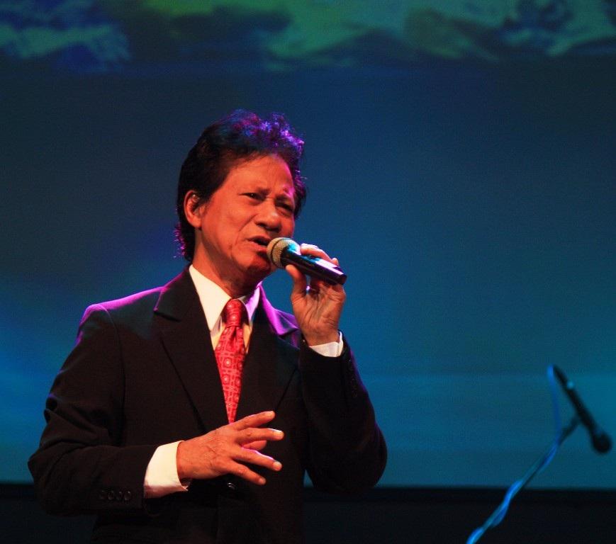 Chế Linh có đêm diễn đầy cảm xúc cống hiến khán giả TP Quy Nhơn, tỉnh Bình Định