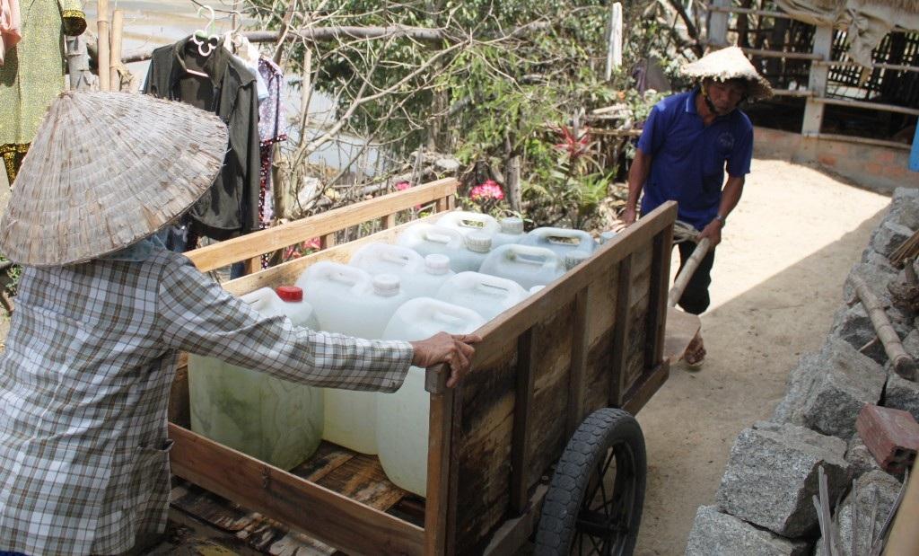 Người dân xã Mỹ Chánh quay cuồng vì thiếu nước