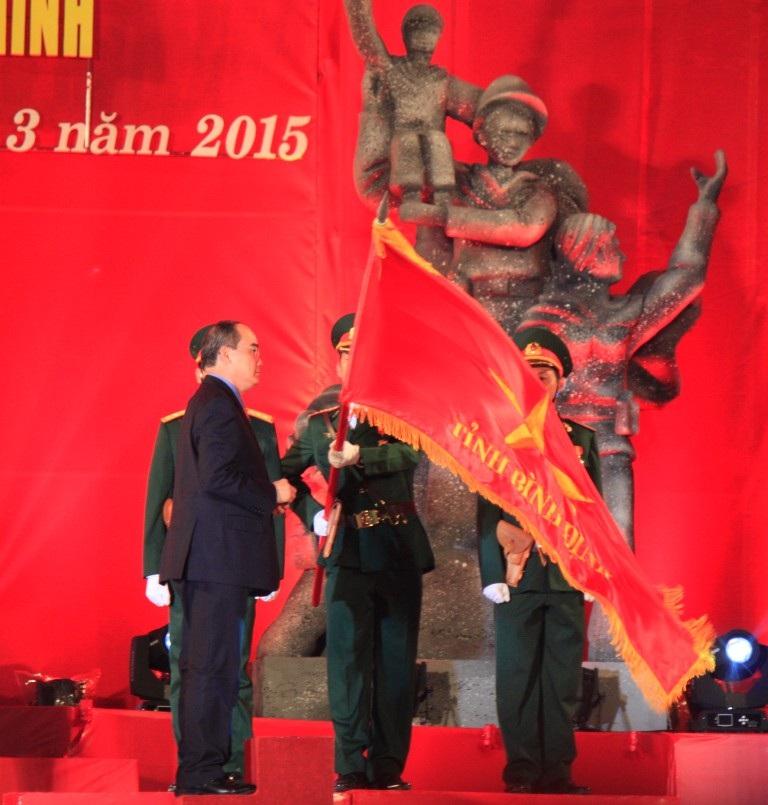 Bình Định đón nhận Huân chương cao quý dịp kỷ niệm 40 năm giải phóng
