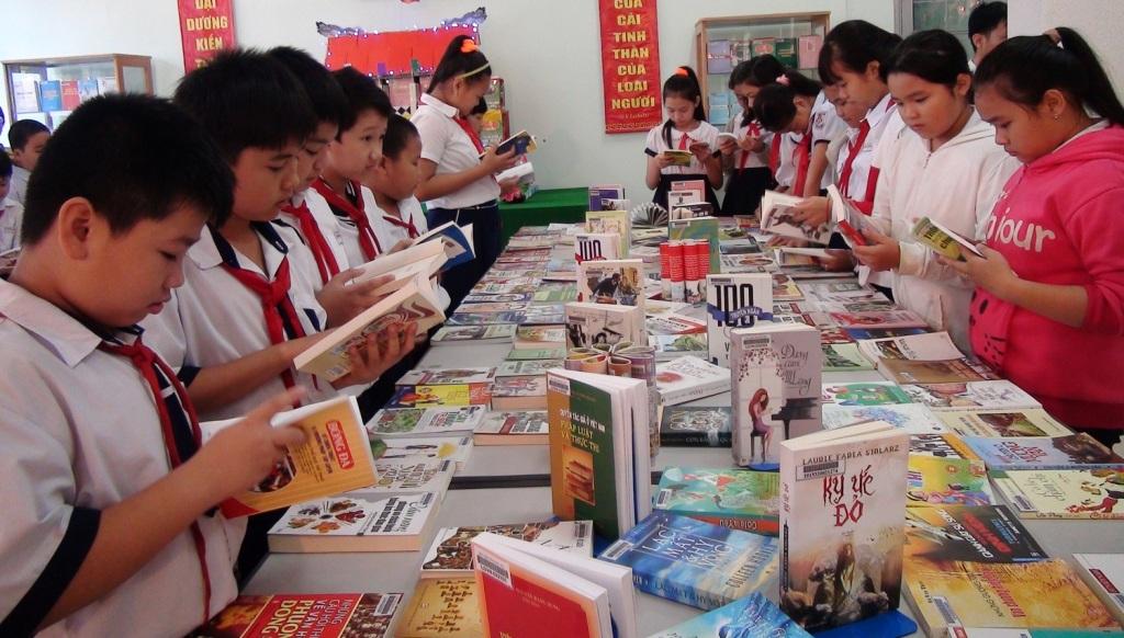 Đông đảo các em học sinh TP Tuy Hòa đến tham dự Ngày hội đọc sách tại tỉnh Phú Yên
