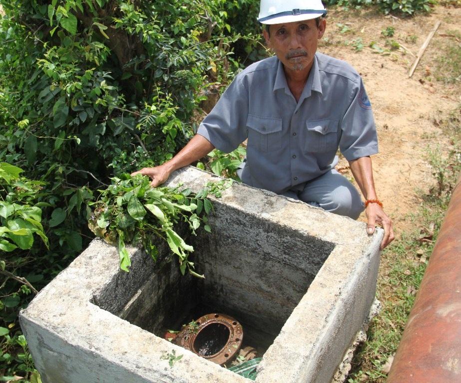 Người dân đập hỏng cả máy mở đóng nước tại các cụm điều phối nước của hồ Hội Sơn