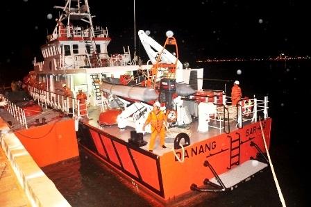 Tàu cứu hộ sẵn sàng lên đường cứu ngư dân bị nạn trên biển