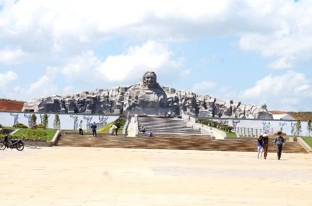 Khu tượng đài Mẹ Việt Nam Anh hùng, nơi sẽ diễn ra buổi lễ